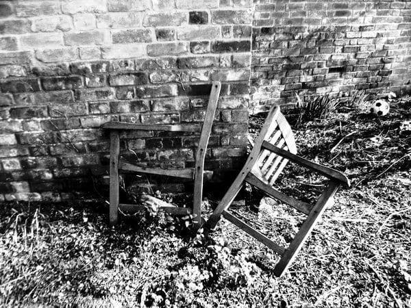 The Broken Chair by Evieapollo