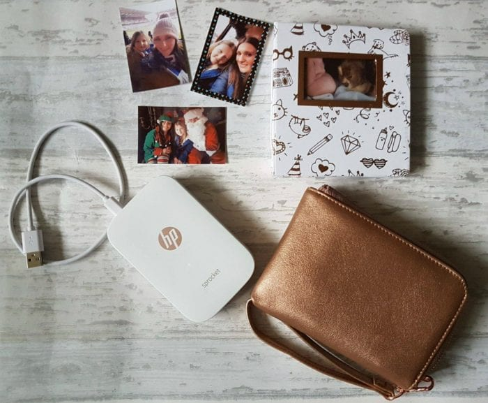 HP-Sprocket-Gift-Set-With-Photos