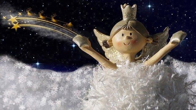 Christma-Angel-Spreading-Cheer