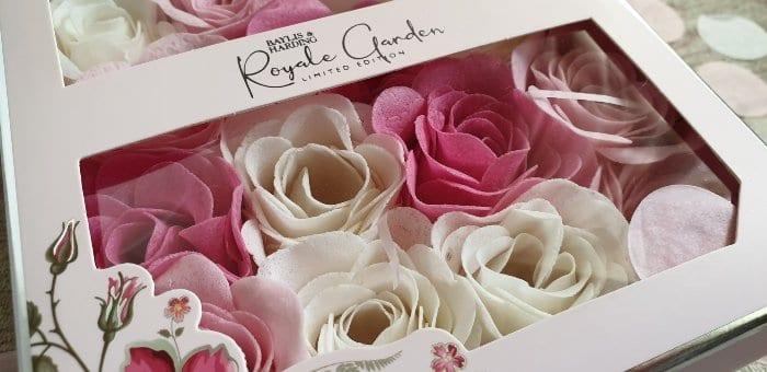 Baylis & Harding Royale Garden soap petals