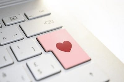 What To Look Out For When Online Dating