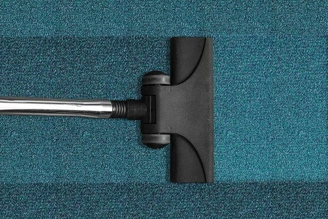 How to Clean the Carpet Yourself?