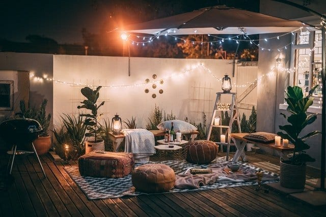 Throw a Romantic Dinner at Home with This Guide